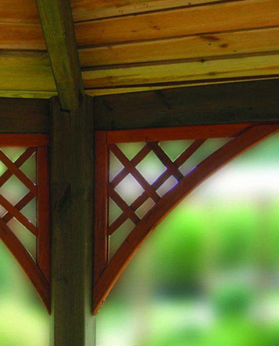 Drewniana kratka ogrodowa w stylu angielskim narożnik